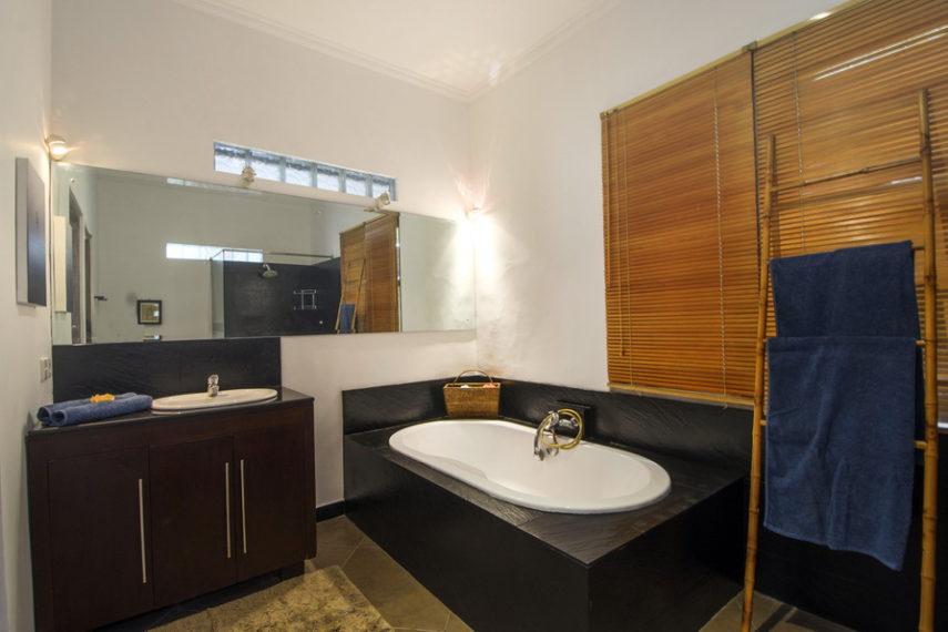 18 bd luxury villa (12)