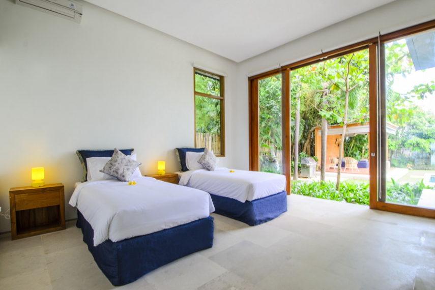18 bd luxury villa (3)