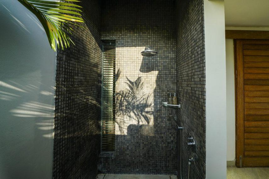 Bathroom1(2)