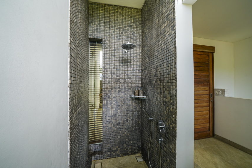 Bathroom1(2)