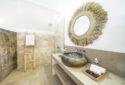 UpstairsBathroom1(2)
